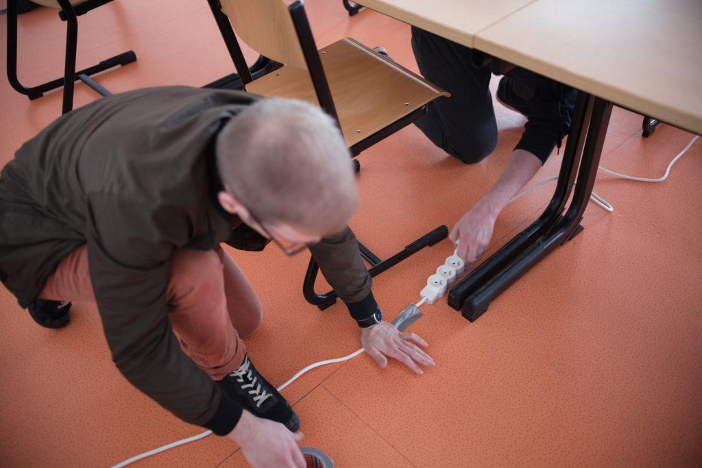 LAN RT 24/03: installation électrique (Crédits: Romain Thomann)
