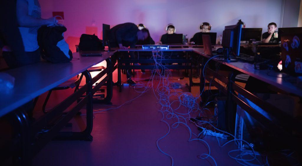 """LAN RT 24/03: liens """"backbone"""" (Crédits: Romain Thomann)"""